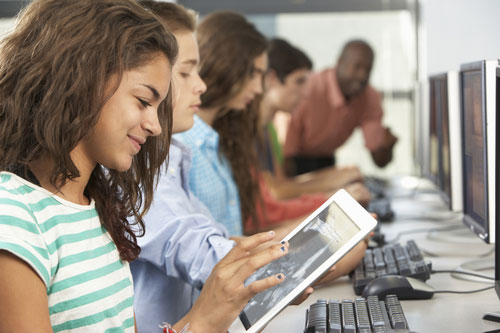 girl ipad classroom